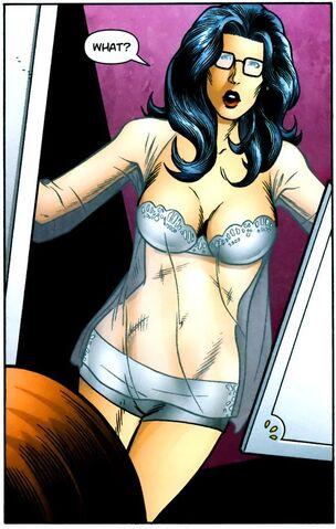 File:Wonder Woman BCWP 01.jpg