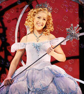 Glinda-wicked-1
