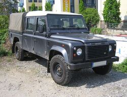 Land Rover Defender 130.jpg