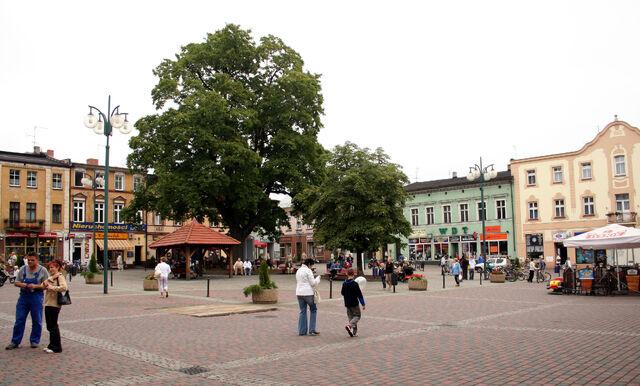 Plik:Lubliniec - rynek.jpg
