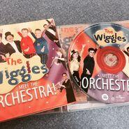 TheWigglesMeettheOrchestraAlbumDiscandBooklet