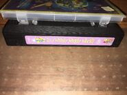 The-Wiggles-Its-A-Wiggly-Wiggly-World-Vhs- 57
