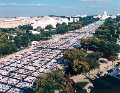 File:AIDSQuiltWashingtonMall.jpg
