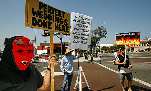 File:WeHoProtest06-08-2008.jpg