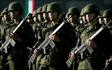 MexicanTroopsParade