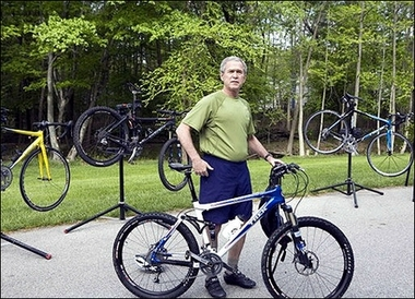 File:GWBushPoseMountainBike.jpg