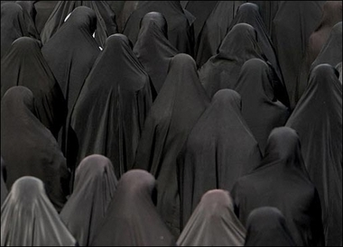 File:WomenInBurqas.jpg