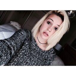 Bea blonde 1