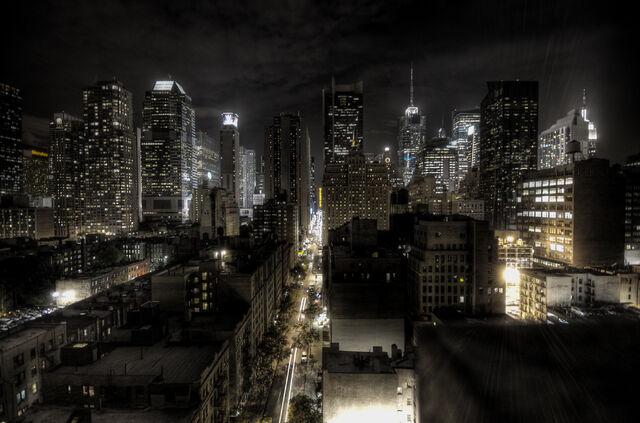 File:New-York-City-At-Night-2.jpg
