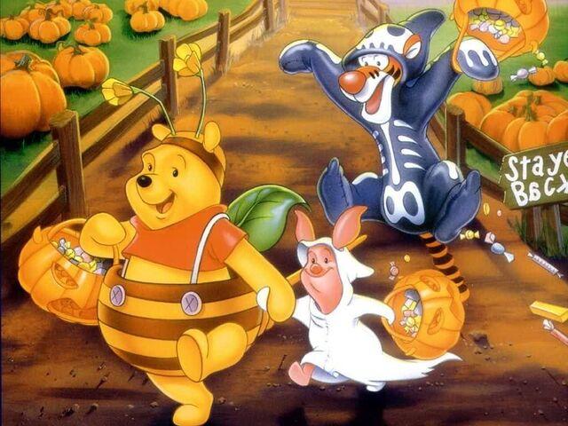 File:Pooh Halloween Wallpaper.jpg