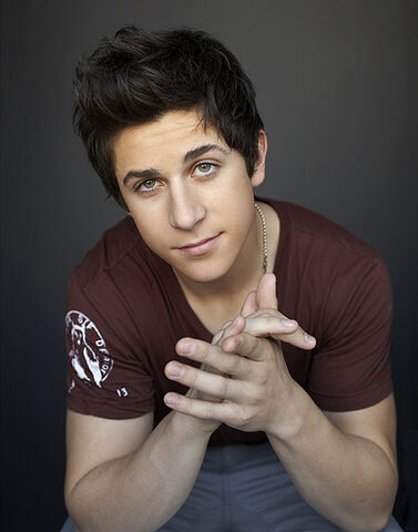 File:Disney-celebrity-david-henrie-1-.jpg