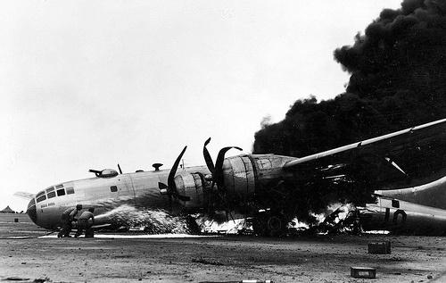 File:B-29 Crash, Iwo Jima 1945.jpg