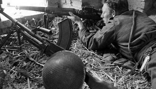 File:Canadian Sniper, Ortona 1943.jpg