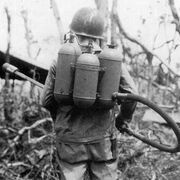 Type 100 flamethrower