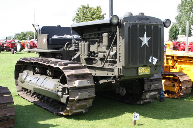 File:Caterpillar D8 - D-day machine (by user-BulldozerD11) -IMG 4775.jpg