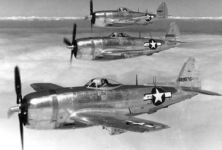 File:P-47N-5 Thunderbolt formation, circa 1945.jpg