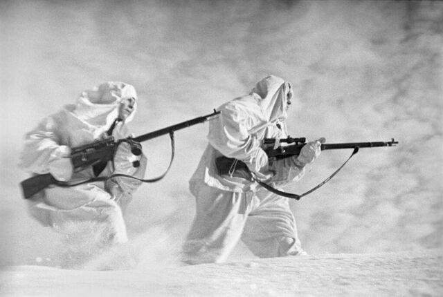 File:Soviet Sniper team, Leningrad.jpg