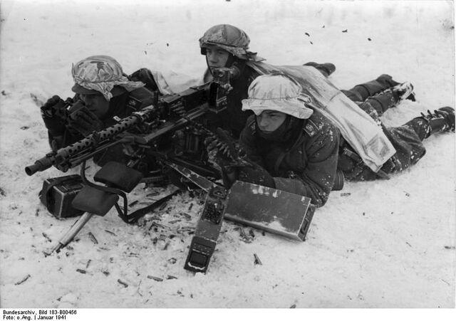 File:Großdeutschland Division MG 34 Crew, 1941.jpg