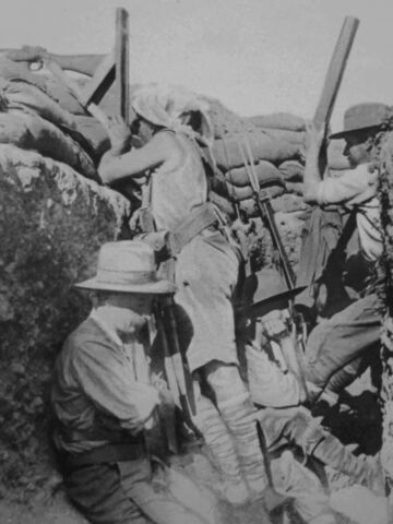 File:Australians in the trenches at gallipoli.jpg
