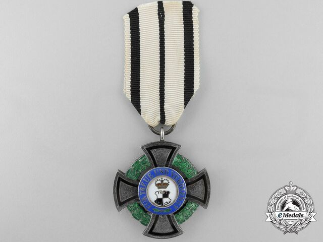 File:House Order of Faust-Essen (Member).jpg