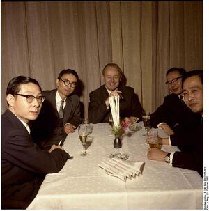 Bundesarchiv B 145 Bild-F007555-0011, Beethovenhalle Bonn, Handelsdelegation aus Japan