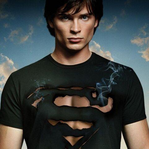 File:Clark-kent-as-superman.jpg