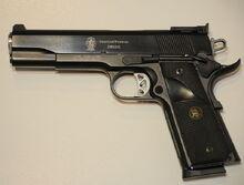 800px-Smith&WessonSW1911