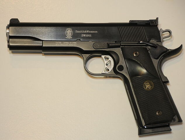 File:800px-Smith&WessonSW1911.JPG