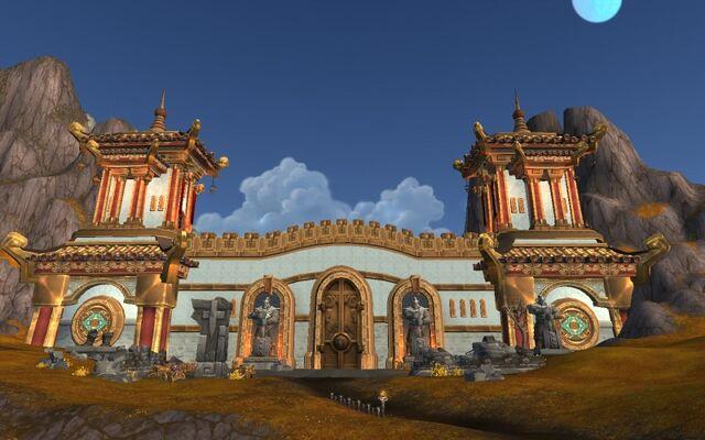 Datei:800px-Gate of the August Celestials.jpg
