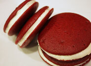 Red-Velvet-Whoopie-Pie-6r2