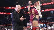 Sasha Banks win and Two-times Women Champion