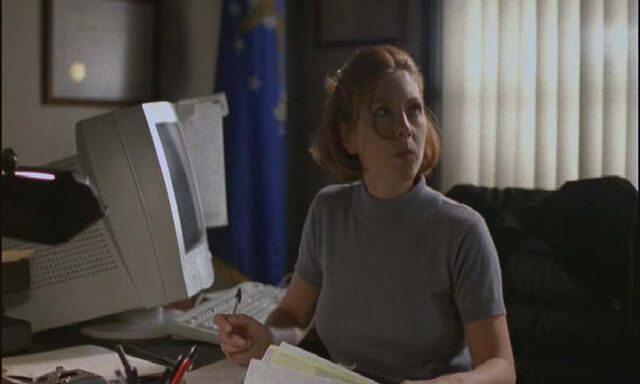 File:Arlene On Desk.jpg