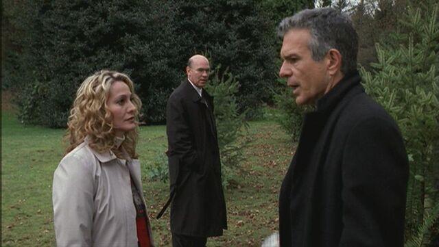 File:Skinner and Roses Wife berrate Mr Rose.jpg