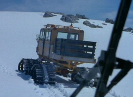 File:Snowcat (rear).jpg