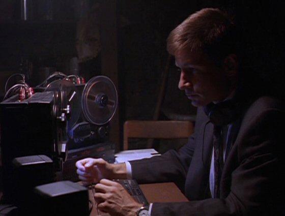 File:Fox Mulder wiretapping.jpg