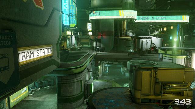 File:H5G Multiplayer-Gamescon Plaza1.jpg