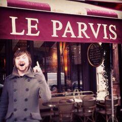 Tom in Paris.