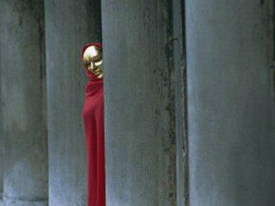 File:Red-cloak.jpg
