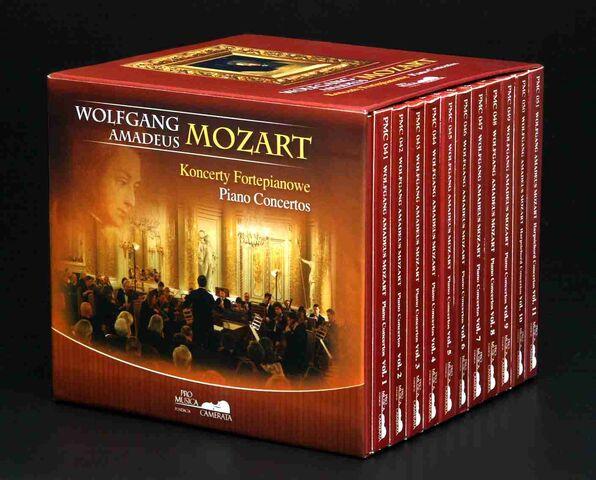 File:Cd-feature-viviana-sofronitzki-mozart-piano-concertos-2007-01-11.6105239979.jpg