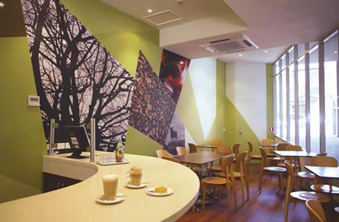 File:Tribeca-east-melbourne-accommodation cafe.jpg