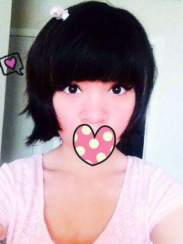 File:Selfie kawaii ok.jpg