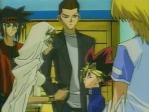 File:DMx095 Yugi receives the Necklace.jpg