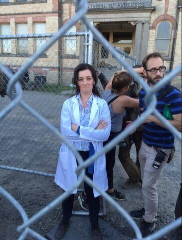 File:304 behind the scenes 2.jpg