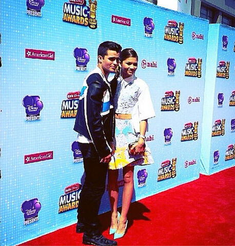 File:Spencer-boldman-rdma-april-26-2014-1-zendaya-6.jpg