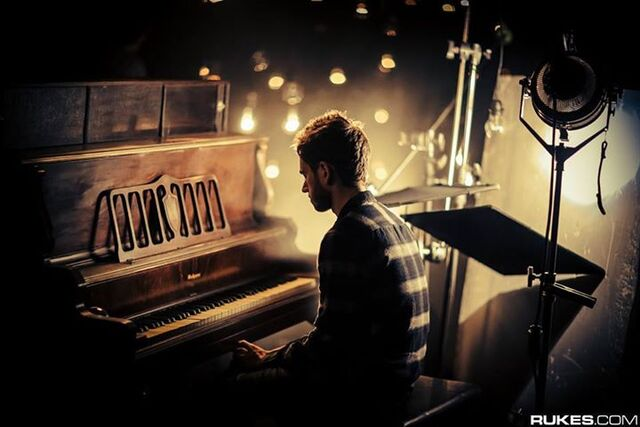 File:Zedd playing the piano in the Stay the Night music video.jpg