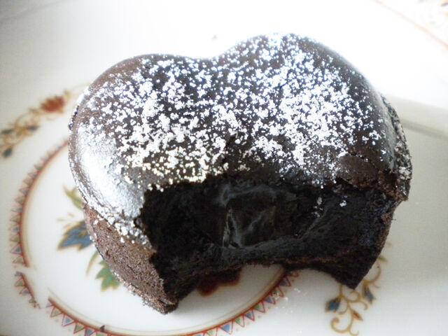 檔案:肯德基-熔岩巧克力(剖面圖)4.JPG