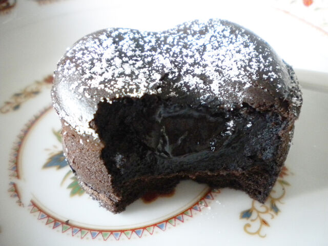 檔案:肯德基-熔岩巧克力(剖面圖)3.JPG