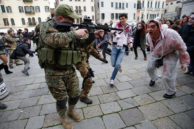 File:Venice-zombies.jpg