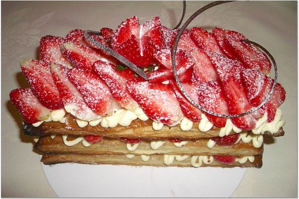 File:Strawberry mille feuille.jpg