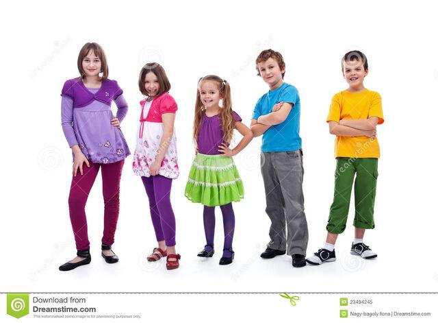 File:Casual-kids-row-23494245.jpg